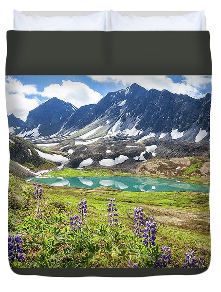 Grizzly Bear Lake Duvet Cover