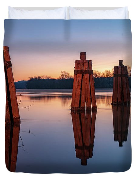 Group Of Three Docking Piles On Connecticut River Duvet Cover