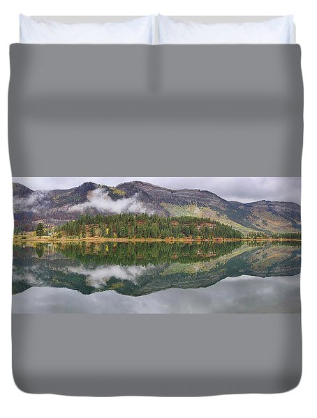 Duvet Cover featuring the photograph Haviland Lake Pano by Theo O'Connor