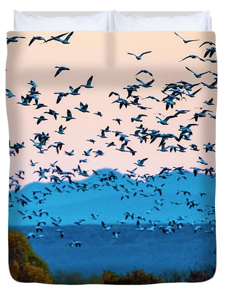 Herd Of Snow Geese In Flight, Soccoro Duvet Cover