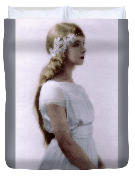 Lillian Gish Colorized Duvet Cover