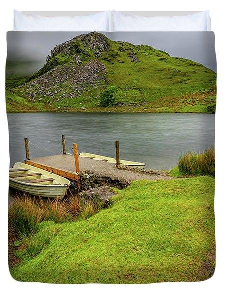 Llyn Y Dywarchen Boats Snowdonia Duvet Cover