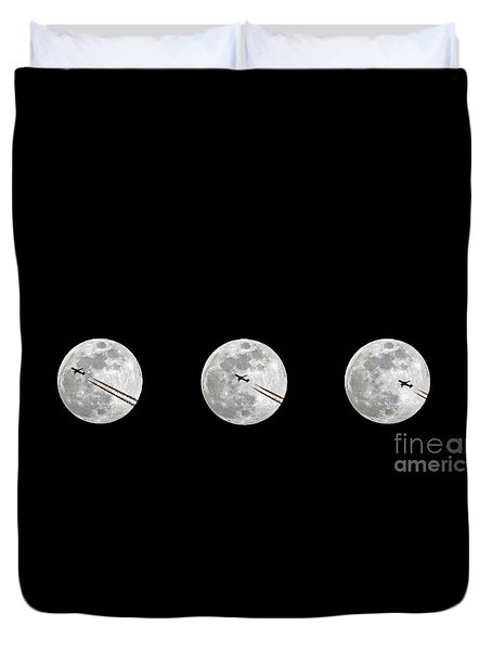 Lunar Silhouette In Sequence Duvet Cover