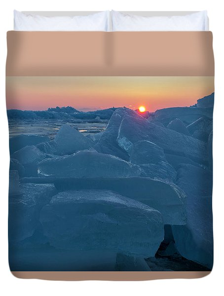 Mackinaw City Ice Formations 21618013 Duvet Cover