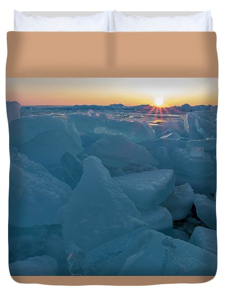 Mackinaw City Ice Formations 21618014 Duvet Cover