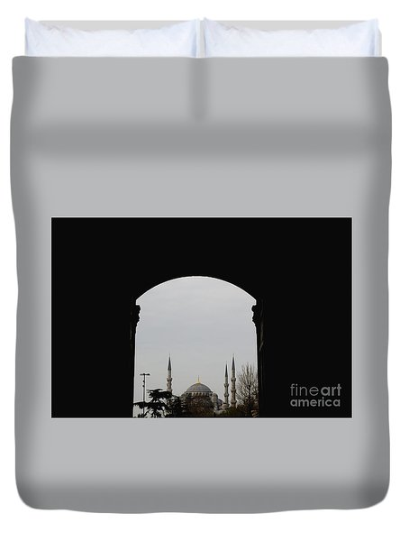 minarets in the city for the prayer of the Muslim religion Duvet Cover