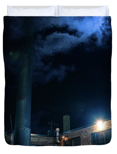 Moon Over Industrial Chicago Alley Duvet Cover