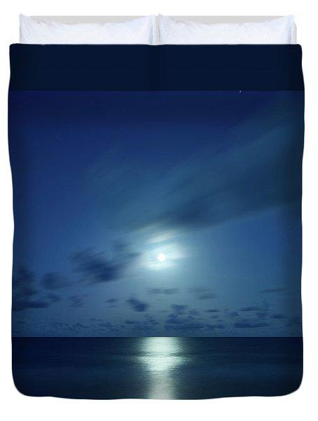 Moonrise Over The Sea Duvet Cover