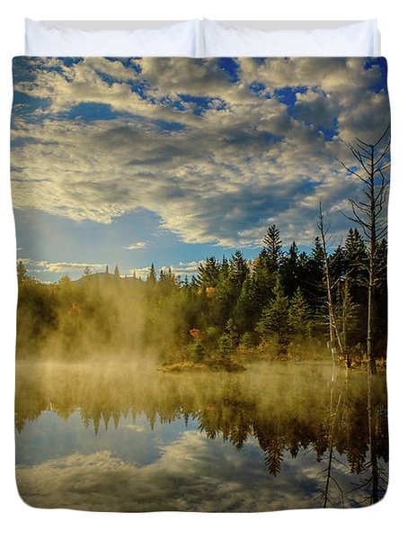 Morning Mist, Wildlife Pond  Duvet Cover