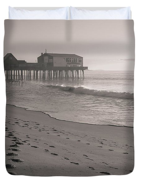 Morning Walk On Old Orchard Beach Duvet Cover