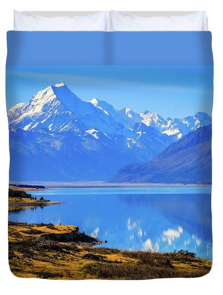 Mount Cook Overlooking Lake Pukaki,  New Zealand Duvet Cover