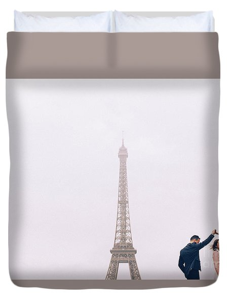 Newly-wed Couple On Their Honeymoon In Paris, Loving Having A Date Near The Eiffel Tower Duvet Cover