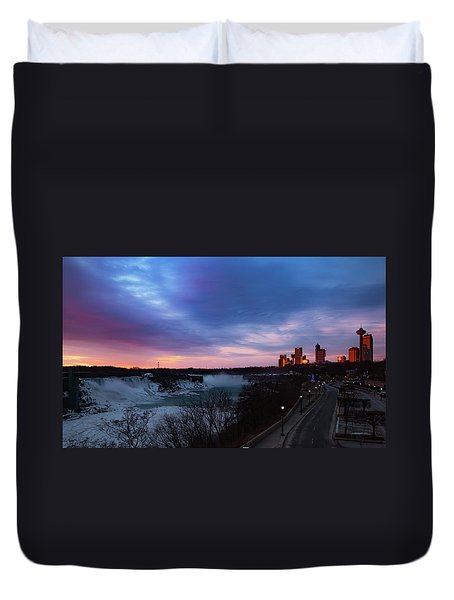 Niagara Falls At Sunrise Duvet Cover
