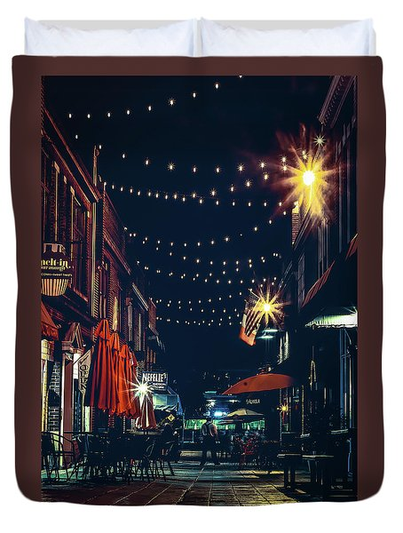 Night Dining In The City Duvet Cover