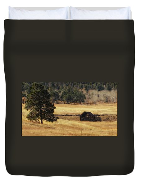 Duvet Cover featuring the photograph Noble Meadow Barn by Lukas Miller