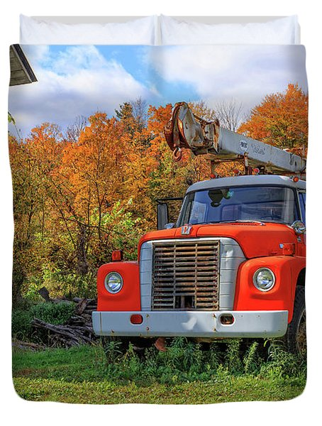 Old Fire Truck In Vermont Duvet Cover