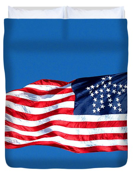 Old Glory Over Fort Pulaski Duvet Cover