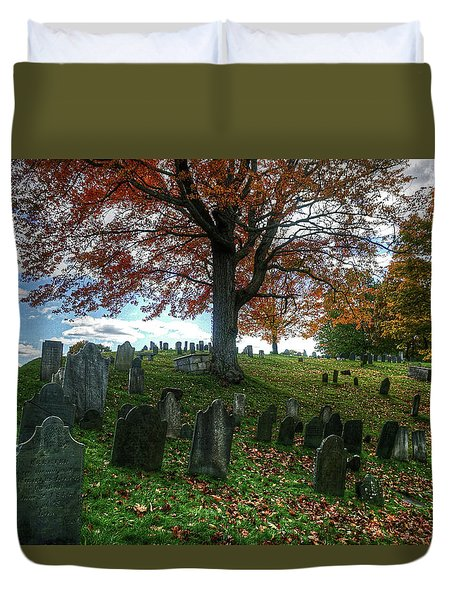 Duvet Cover featuring the photograph Old Hill Burying Ground In Autumn by Wayne Marshall Chase