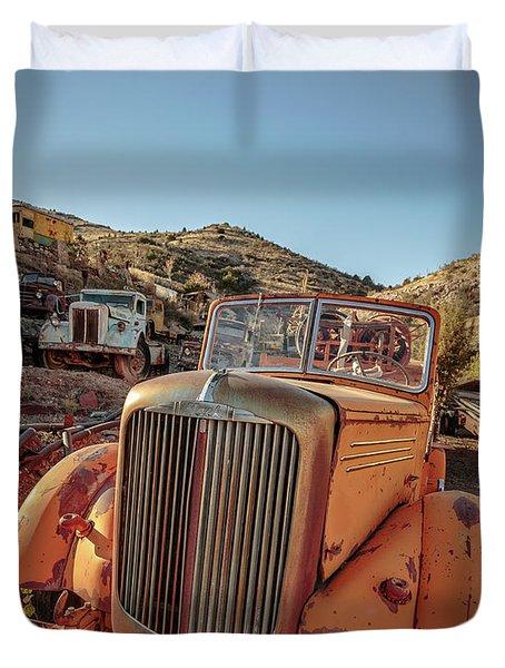 Old Mack Fire Engine Abandoned In Arizona Duvet Cover