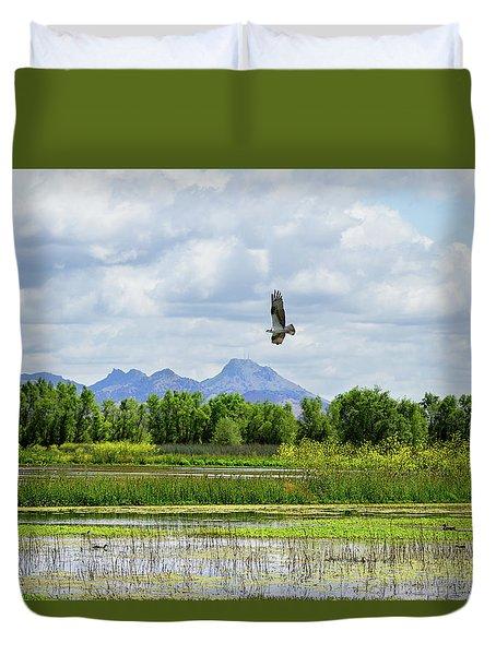 Osprey Over The Wetlands Duvet Cover