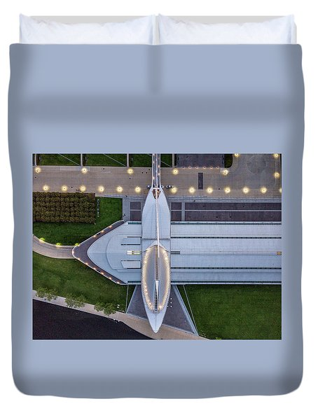 Duvet Cover featuring the photograph Over Milwaukee Art Museum by Randy Scherkenbach
