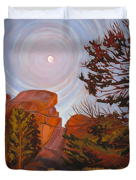 Pale Moon Over Vedauwoo Duvet Cover
