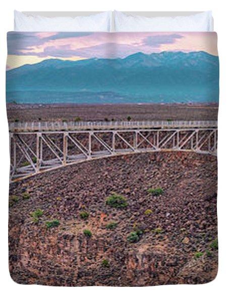 Panorama Of The Rio Grande Del Norte Gorge Bridge And Sangre De Cristo Mountains - Taos New Mexico Duvet Cover