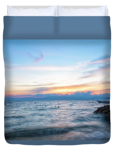 Duvet Cover featuring the photograph Paradise Beauty by Russell Pugh