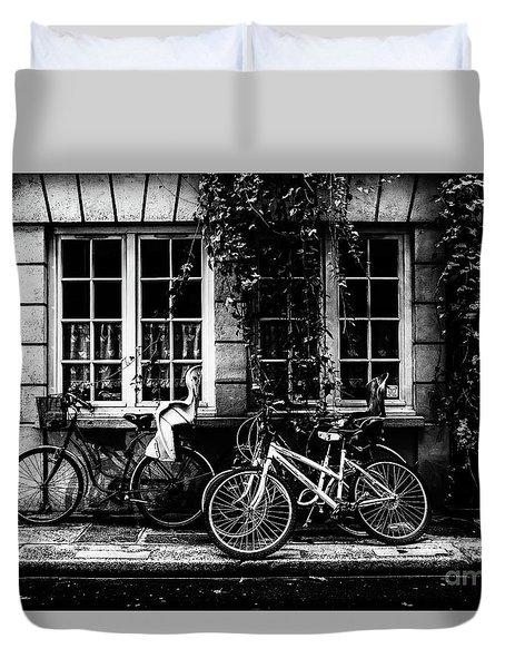 Paris At Night - Rue Poulletier Duvet Cover