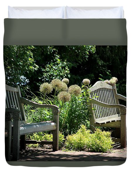 Park Benches At Chicago Botanical Gardens Duvet Cover