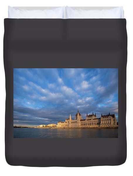 Duvet Cover featuring the photograph Parliament On The Danube by Davor Zerjav