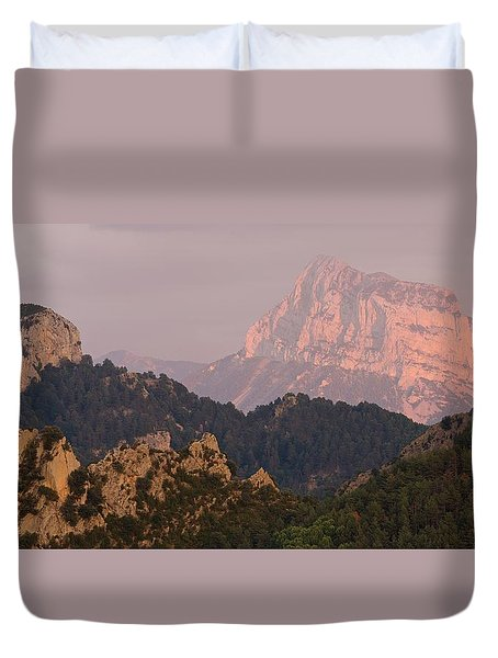 Duvet Cover featuring the photograph Pena Montanesa Sunset Panorama by Stephen Taylor