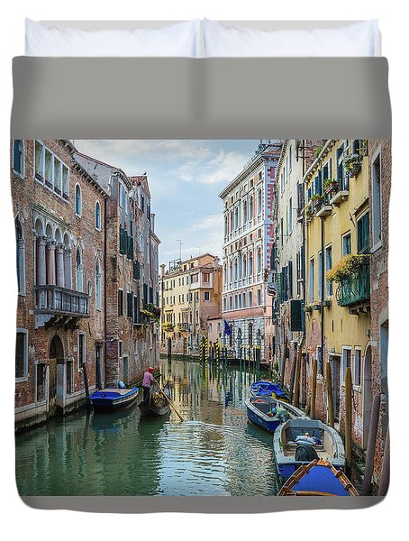Gondolier On Canal Venice Italy Duvet Cover