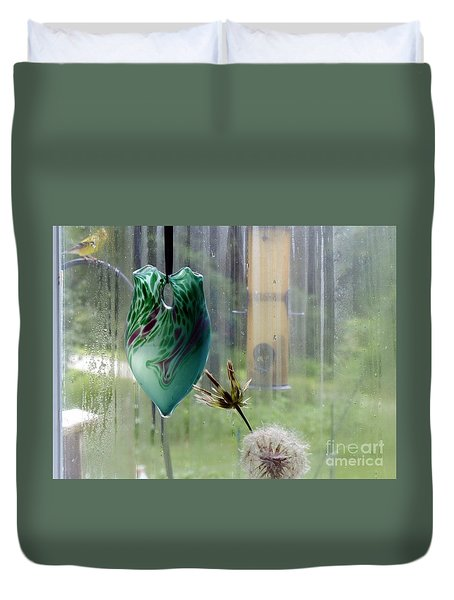Rainy Morning At The Bird Feeder Duvet Cover