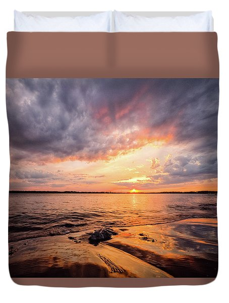Reflect The Drama, Sunset At Fort Foster Park Duvet Cover