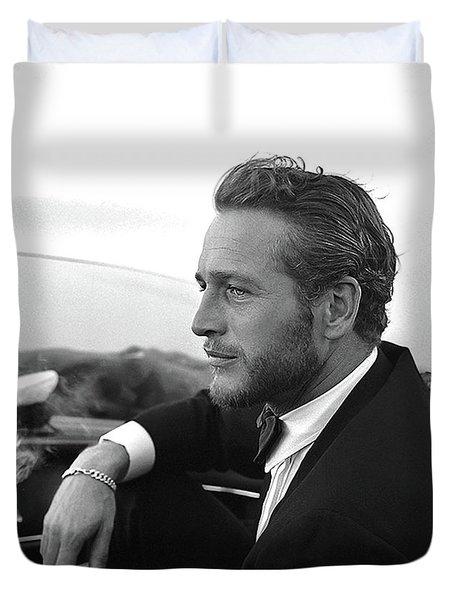 Reflecting, Paul Newman, Movie Star, Cruising Venice, Enjoying A Cuban Cigar, Black And White Duvet Cover