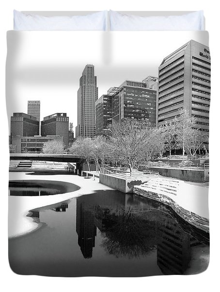Reflection Of Omaha - Winter - Black And White Duvet Cover