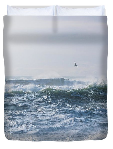 Reynisfjara Seagull Over Crashing Waves Duvet Cover