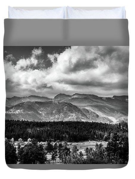 Duvet Cover featuring the photograph Rocky Foothills Bw by James L Bartlett