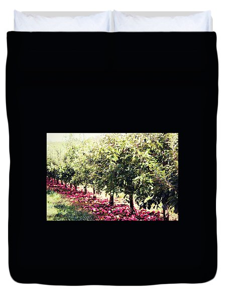 Duvet Cover featuring the photograph Row Of Red by Candice Trimble