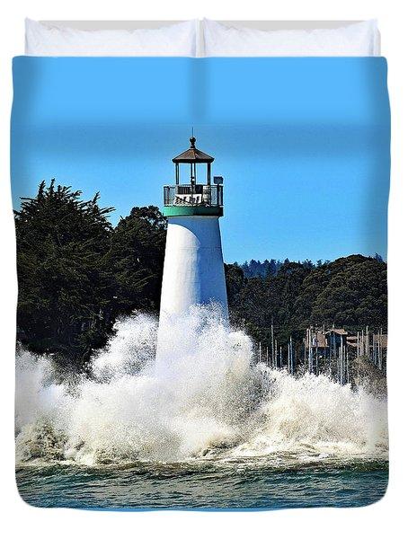 Santa Cruz Lighthouse And Crashing Waves Duvet Cover