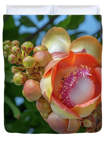 Duvet Cover featuring the photograph Sara Tree Or Cannonball Tree Flower And Buds Dthn0264 by Gerry Gantt