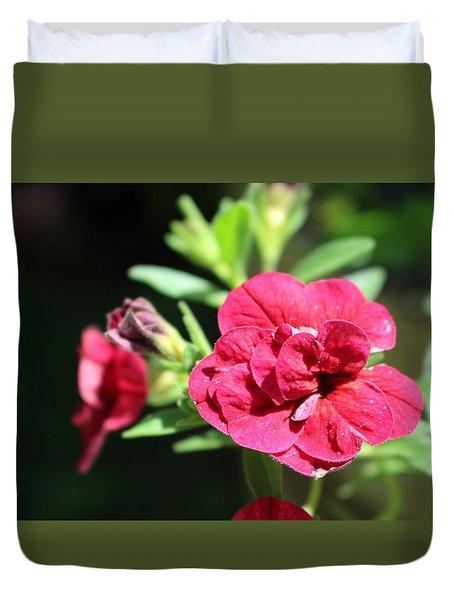 Scarlet Geranium In Cape May Duvet Cover