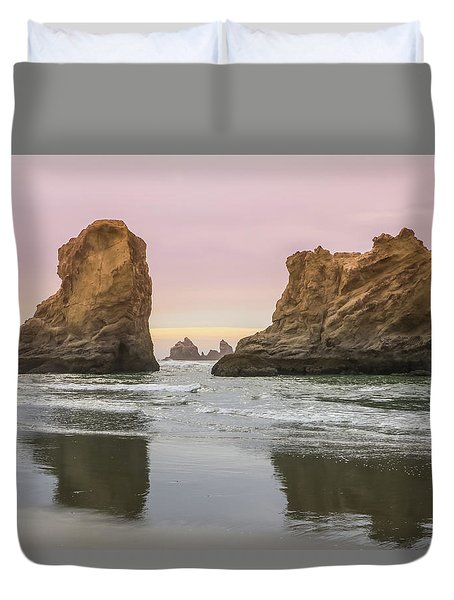 Duvet Cover featuring the photograph Sea Stack And Spires Sunset 1, Bandon Beach, Oregon by Dawn Richards