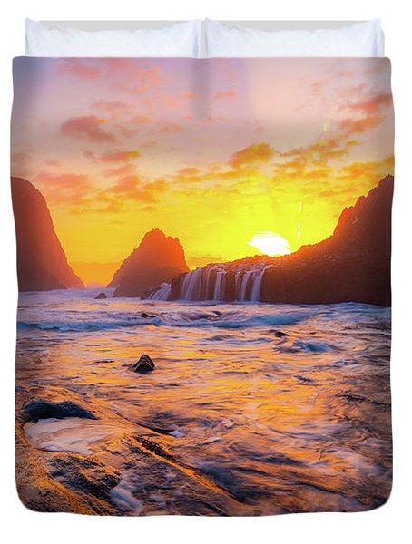 Seal Rock Beach Sunset Duvet Cover