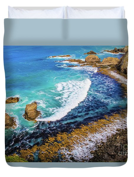 Roaring Bay At Nugget Point Duvet Cover