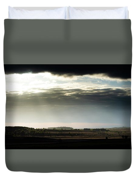 Duvet Cover featuring the photograph Shining Through At Baslow Edge by Scott Lyons