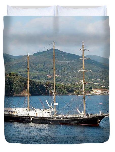 Signora Del Vento, Anchored At Portoferraio, Elba Duvet Cover