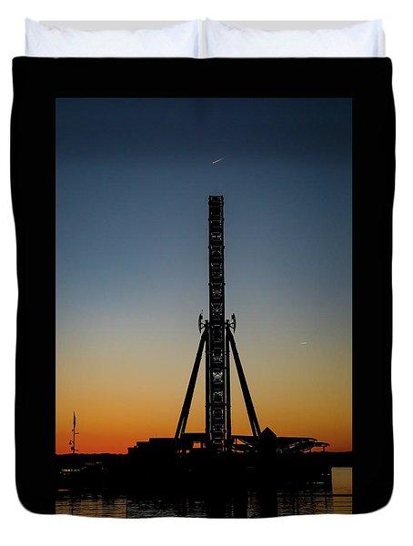 Silhouette Of A Ferris Wheel Duvet Cover