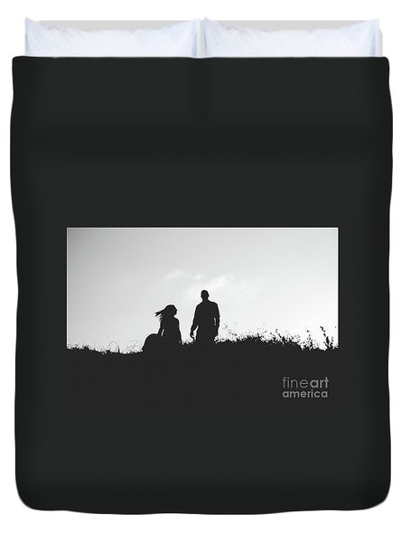 Silhouette Of Couple In Love With Wedding Couple On Top Of A Hill Duvet Cover